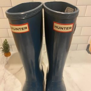 Hunter boots for young boys